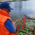 На Русанівському каналі працює плаваючий комбайн «Aquamarine»